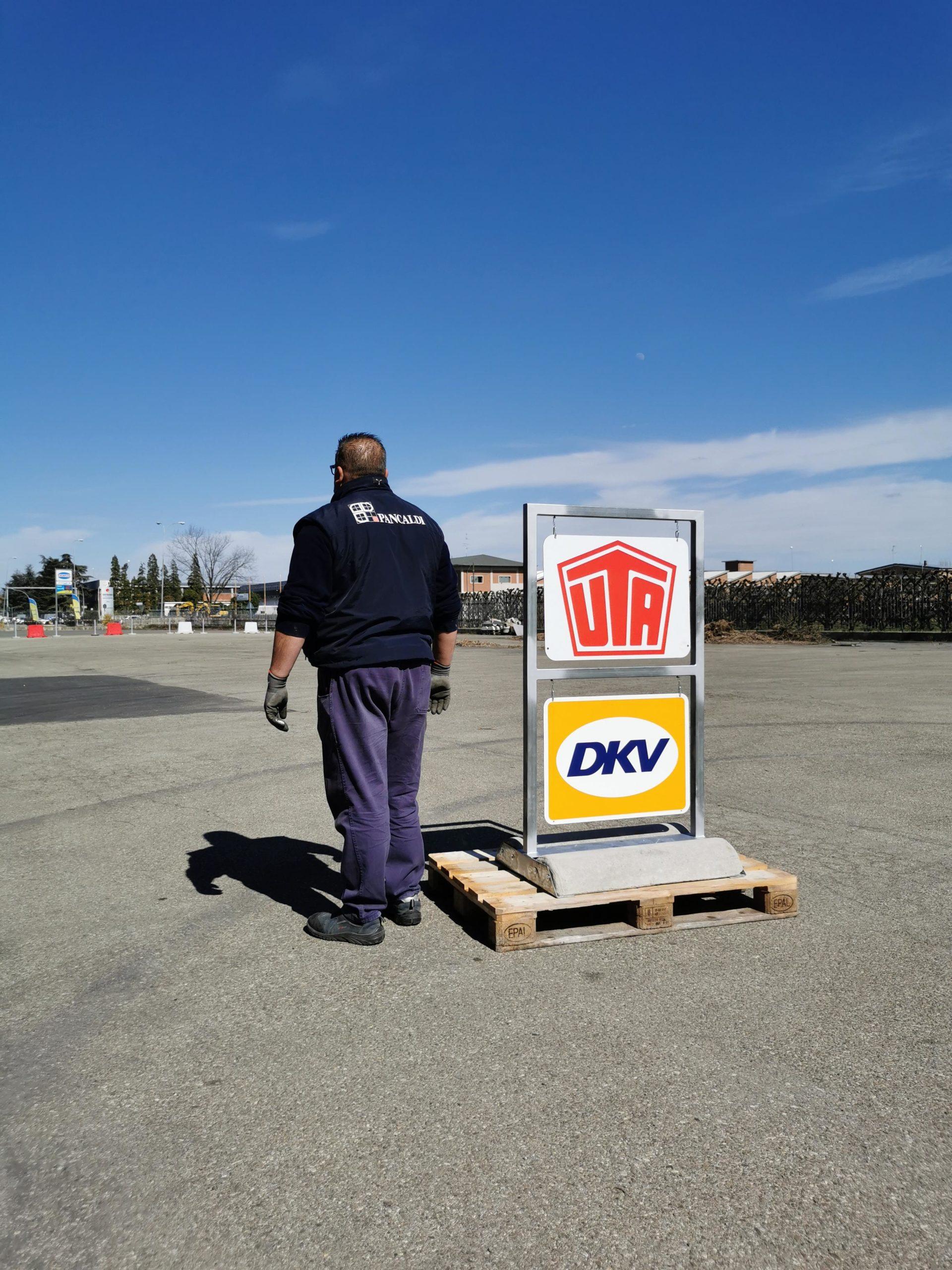 Insegna DKW 2